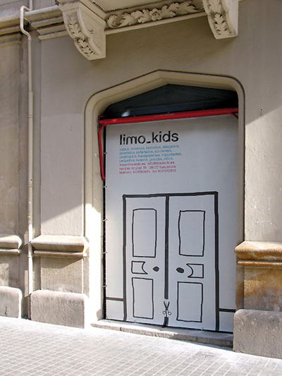 Limo_kids_door